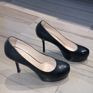 Sexy YSL Tribute black leather pump 🔥 🔥🔥